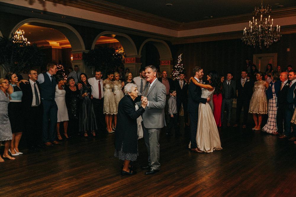 Roger_Kenny_wedding_photographer_525.jpg