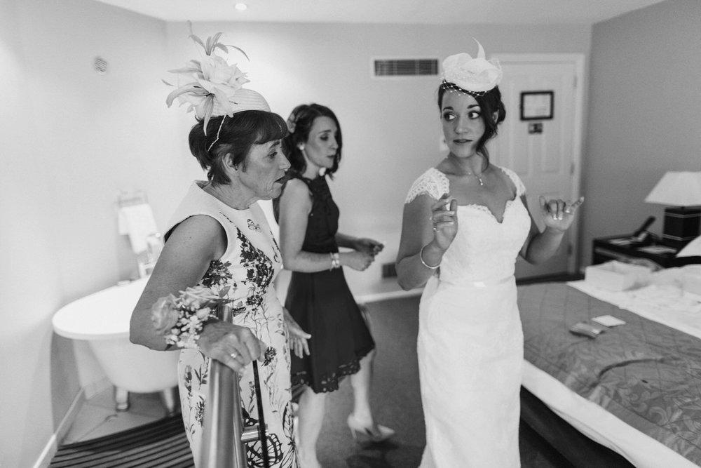 roger-kenny-wedding-photographer-wicklow-dublin-brooklodge_037.jpg
