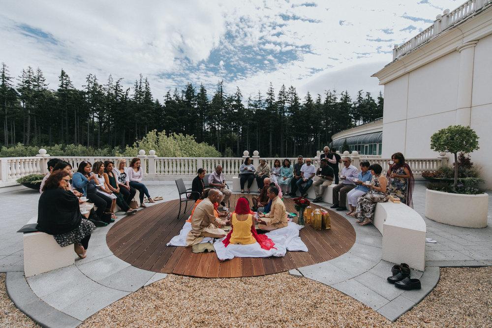 Powerscourt_Indian_wedding_outdoor_ceremony_Powerscourt_co_Wicklow_Roger_Kenny_003.jpg
