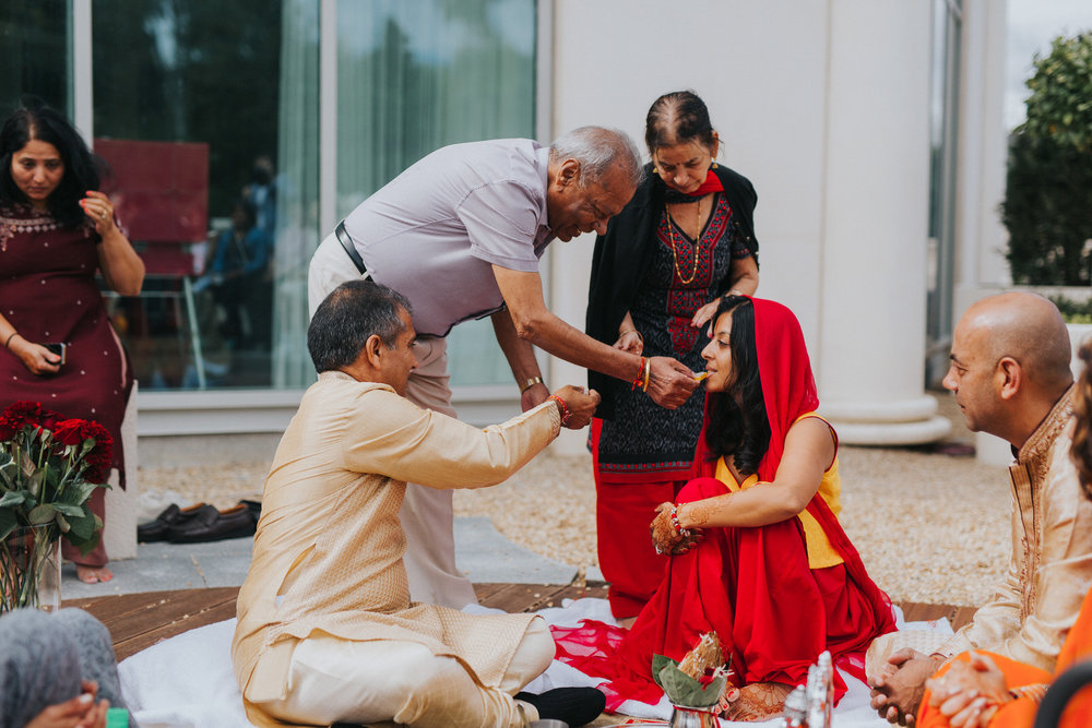 Powerscourt_Indian_wedding_outdoor_ceremony_Powerscourt_co_Wicklow_Roger_Kenny_008.jpg