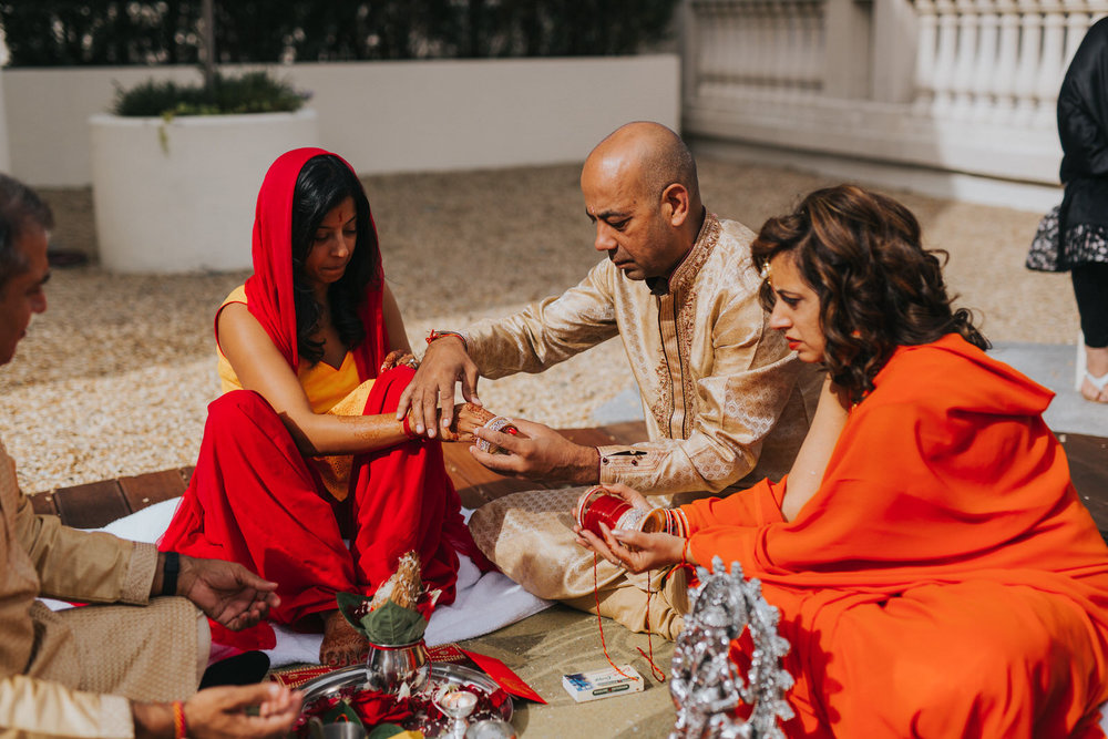 Powerscourt_Indian_wedding_outdoor_ceremony_Powerscourt_co_Wicklow_Roger_Kenny_010.jpg
