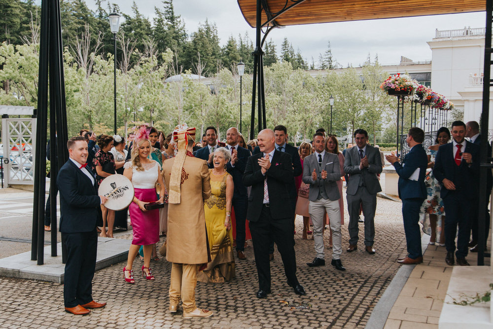 Powerscourt_Indian_wedding_outdoor_ceremony_Powerscourt_co_Wicklow_Roger_Kenny_025.jpg