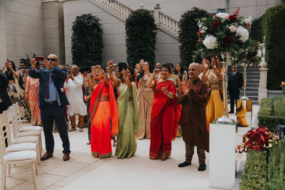 Powerscourt_Indian_wedding_outdoor_ceremony_Powerscourt_co_Wicklow_Roger_Kenny_027.jpg