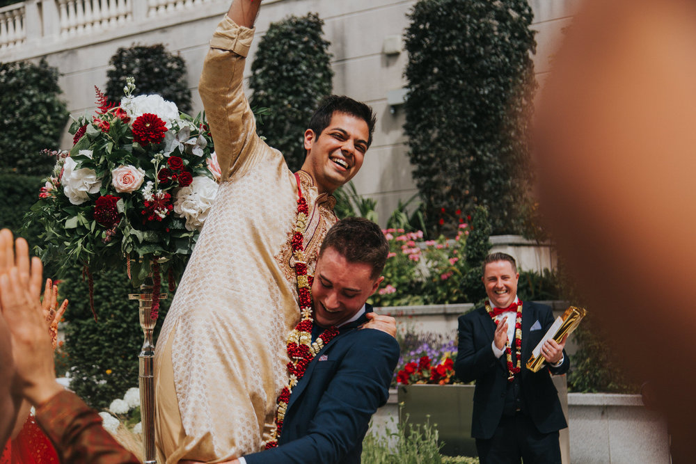 Powerscourt_Indian_wedding_outdoor_ceremony_Powerscourt_co_Wicklow_Roger_Kenny_033.jpg
