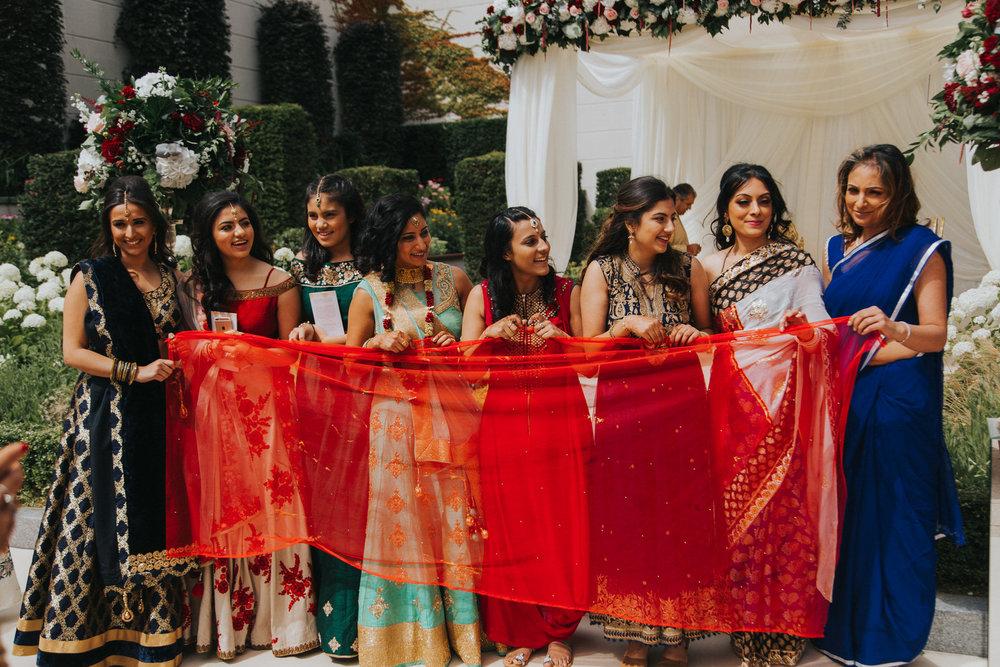 Powerscourt_Indian_wedding_outdoor_ceremony_Powerscourt_co_Wicklow_Roger_Kenny_035.jpg