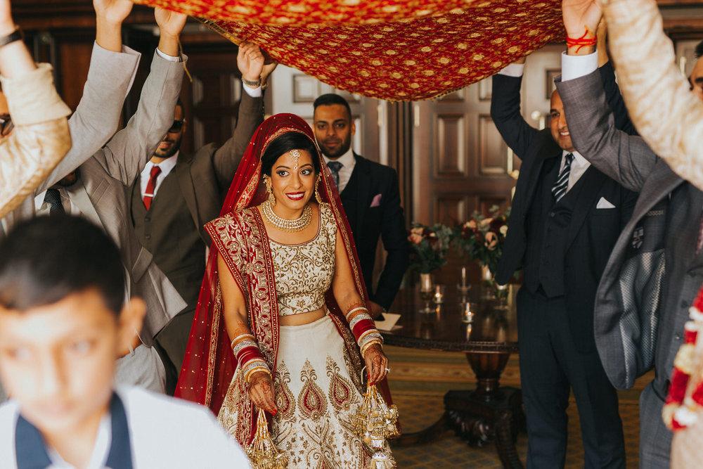 Powerscourt_Indian_wedding_outdoor_ceremony_Powerscourt_co_Wicklow_Roger_Kenny_042.jpg