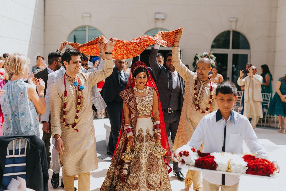 Powerscourt_Indian_wedding_outdoor_ceremony_Powerscourt_co_Wicklow_Roger_Kenny_043.jpg