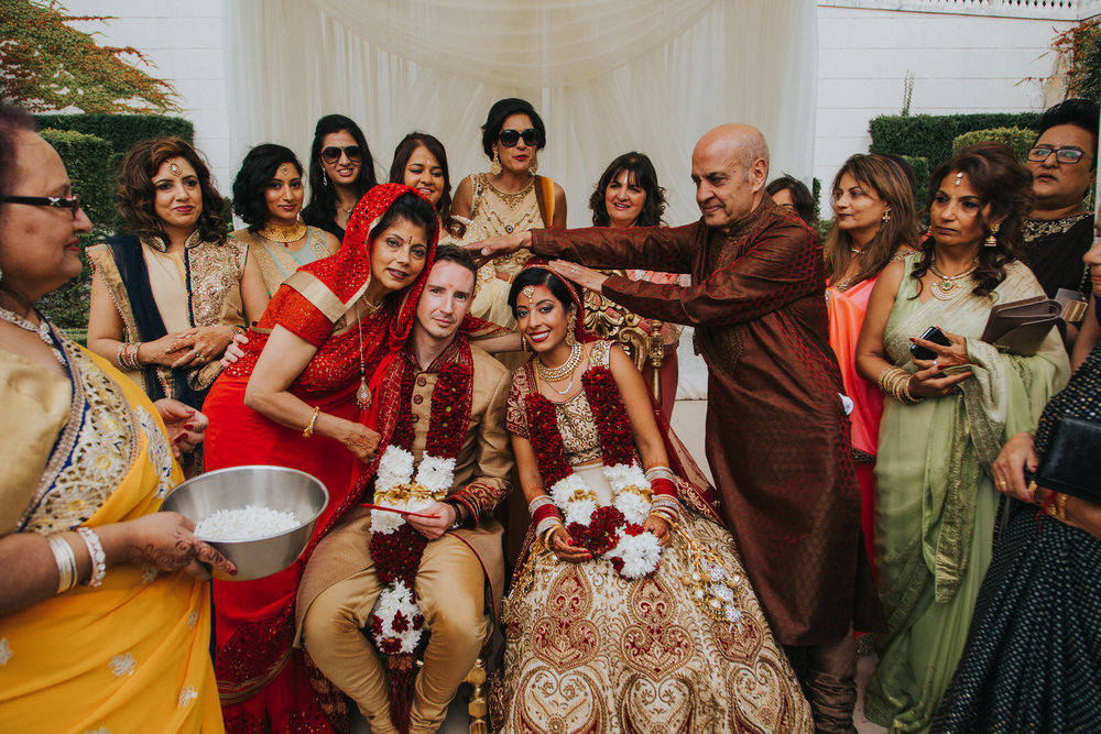 Powerscourt_Indian_wedding_outdoor_ceremony_Powerscourt_co_Wicklow_Roger_Kenny_064.jpg