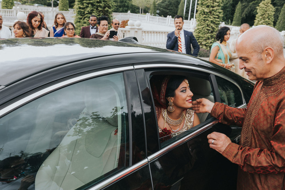 Powerscourt_Indian_wedding_outdoor_ceremony_Powerscourt_co_Wicklow_Roger_Kenny_066.jpg