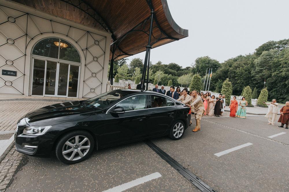 Powerscourt_Indian_wedding_outdoor_ceremony_Powerscourt_co_Wicklow_Roger_Kenny_067.jpg