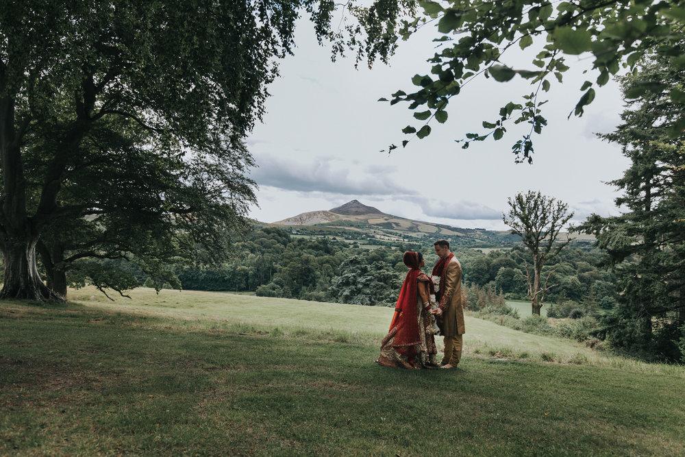 Powerscourt_Indian_wedding_outdoor_ceremony_Powerscourt_co_Wicklow_Roger_Kenny_069.jpg