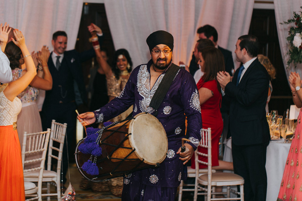Powerscourt_Indian_wedding_outdoor_ceremony_Powerscourt_co_Wicklow_Roger_Kenny_091.jpg