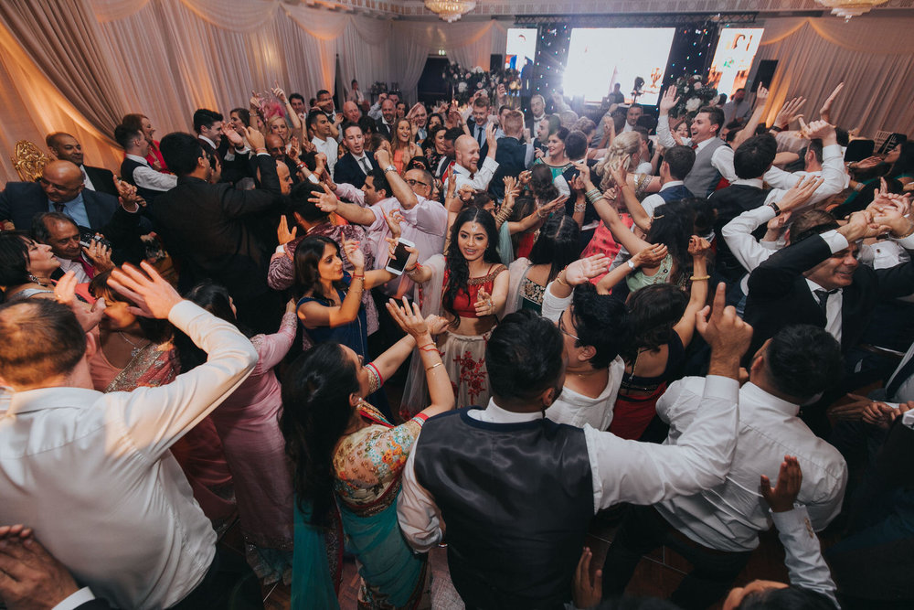 Powerscourt_Indian_wedding_outdoor_ceremony_Powerscourt_co_Wicklow_Roger_Kenny_111.jpg