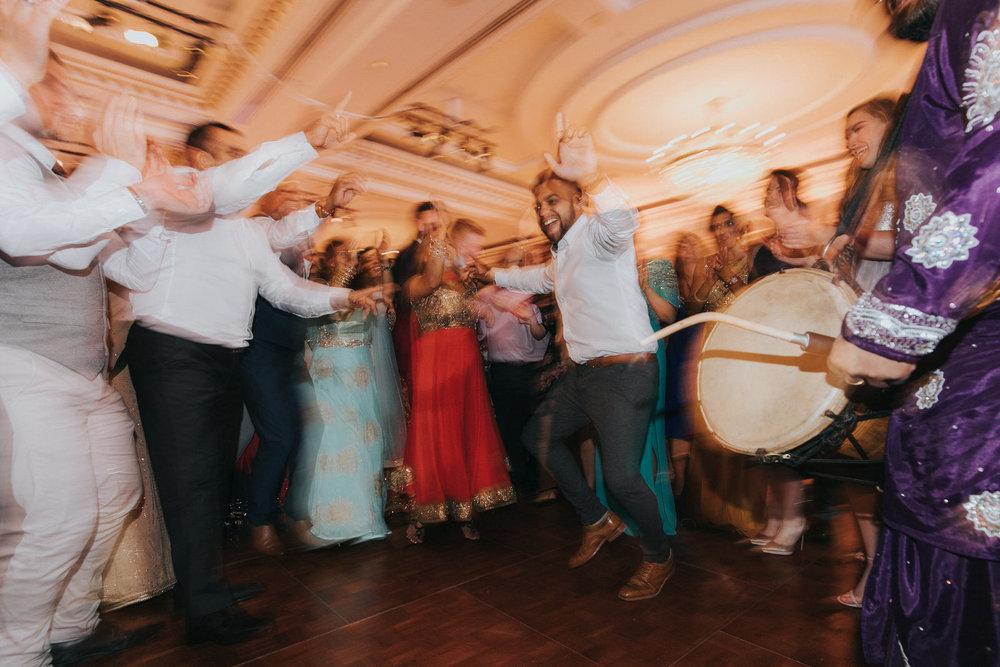 Powerscourt_Indian_wedding_outdoor_ceremony_Powerscourt_co_Wicklow_Roger_Kenny_118.jpg