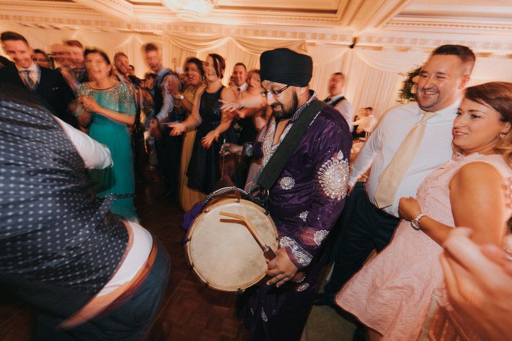 Powerscourt_Indian_wedding_outdoor_ceremony_Powerscourt_co_Wicklow_Roger_Kenny_117.jpg