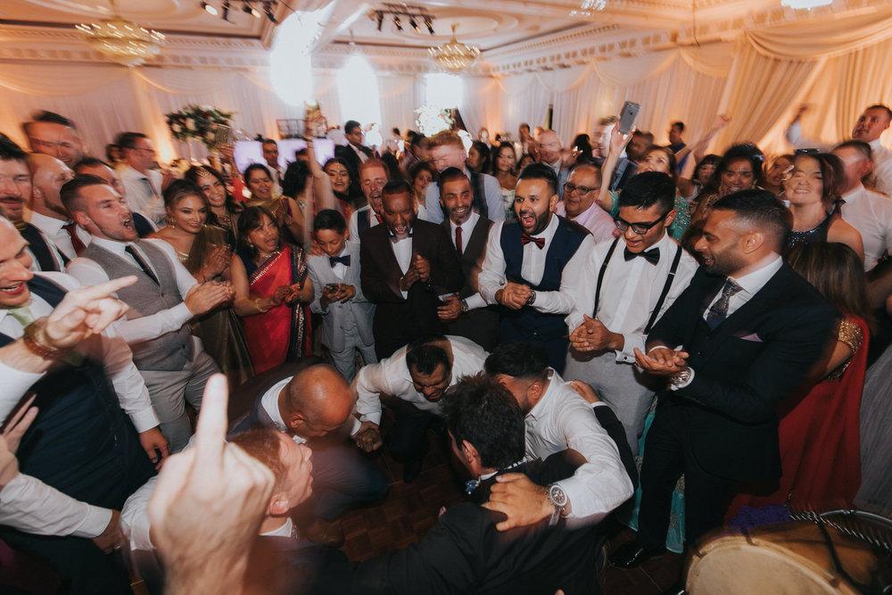 Powerscourt_Indian_wedding_outdoor_ceremony_Powerscourt_co_Wicklow_Roger_Kenny_119.jpg