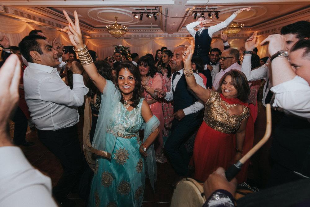 Powerscourt_Indian_wedding_outdoor_ceremony_Powerscourt_co_Wicklow_Roger_Kenny_123.jpg