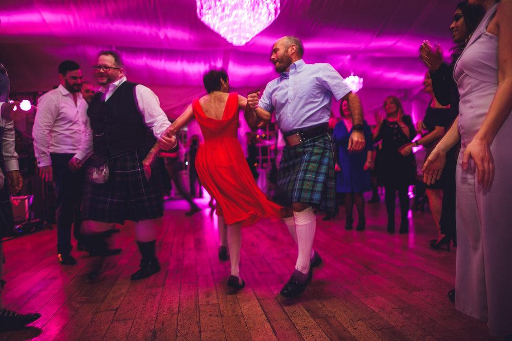 wicklow-wedding-photographer-roger-kenny-rathsallagh-house_250.jpg