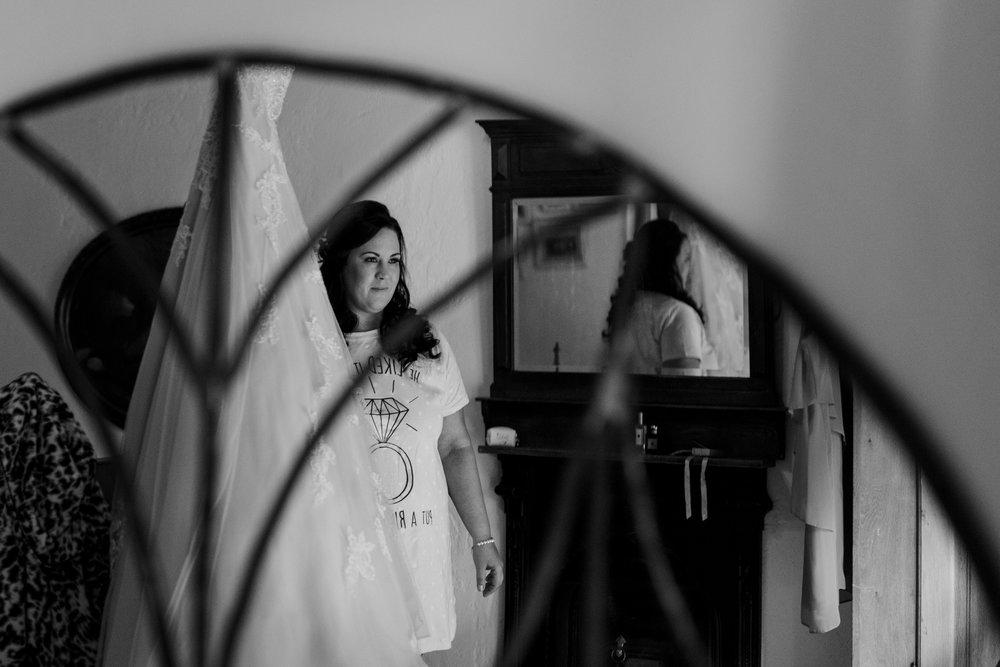 Portrait-room-wedding-photgorapher-roger-kenny-ballybeg-house-007.jpg