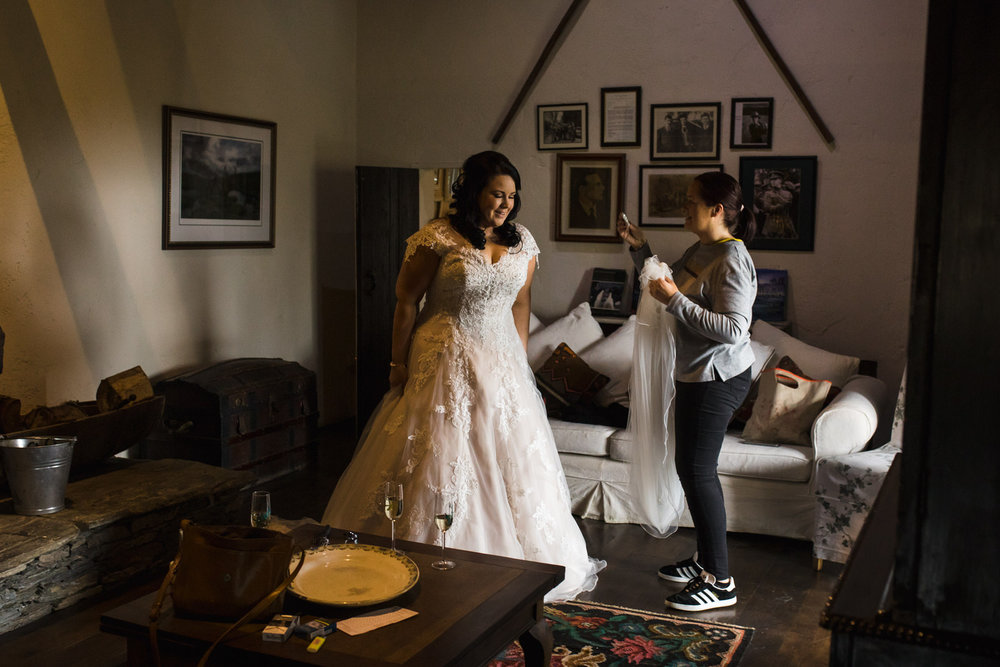 Portrait-room-wedding-photgorapher-roger-kenny-ballybeg-house-010.jpg