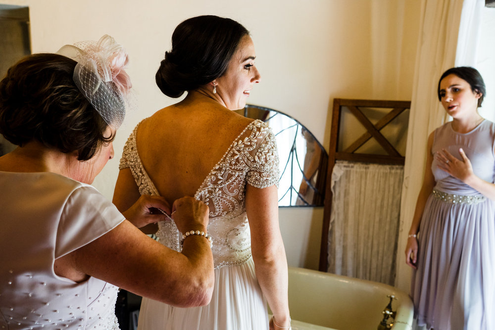 Ballybeg_wedding_photographer_roger_kenny_portrait-room_Ireland_033.jpg