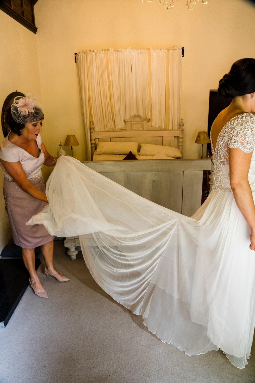 Ballybeg_wedding_photographer_roger_kenny_portrait-room_Ireland_035.jpg