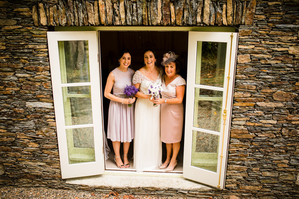 Ballybeg_wedding_photographer_roger_kenny_portrait-room_Ireland_037.jpg