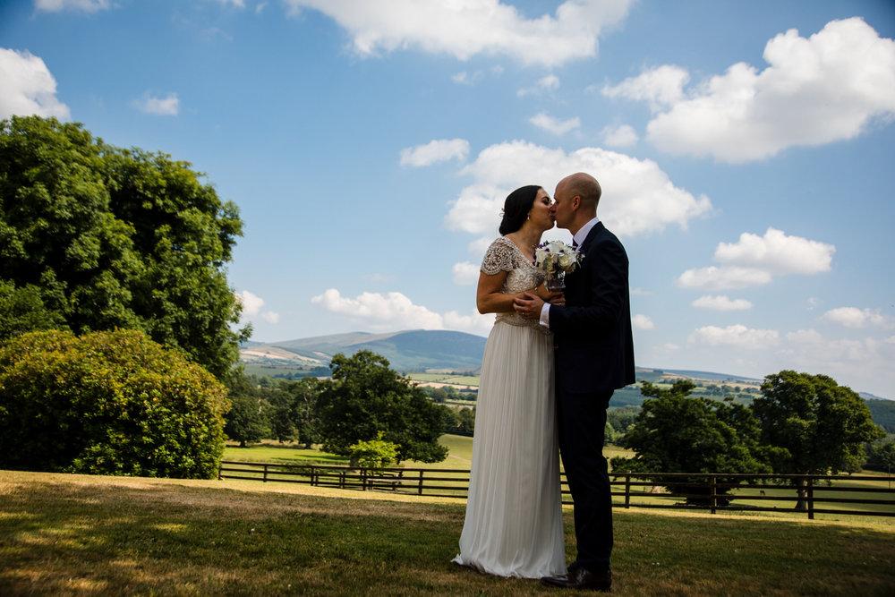 Ballybeg_wedding_photographer_roger_kenny_portrait-room_Ireland_081.jpg