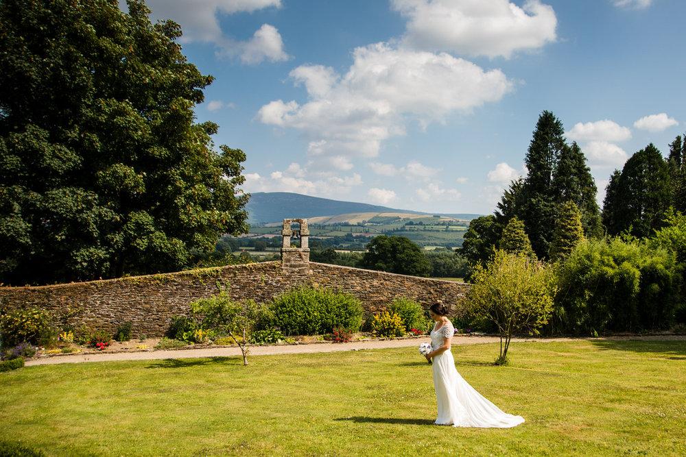 Ballybeg_wedding_photographer_roger_kenny_portrait-room_Ireland_090.jpg