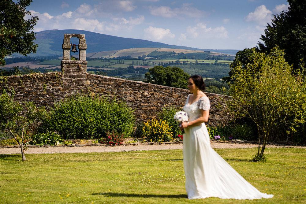 Ballybeg_wedding_photographer_roger_kenny_portrait-room_Ireland_091.jpg
