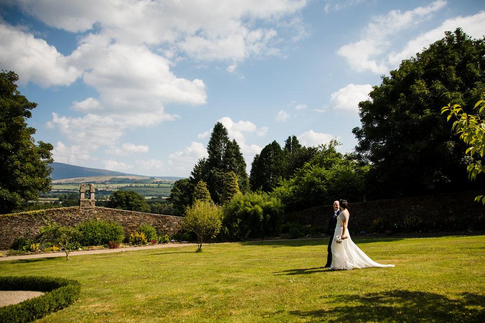 Ballybeg_wedding_photographer_roger_kenny_portrait-room_Ireland_095.jpg