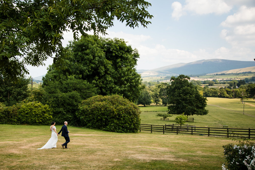 Ballybeg_wedding_photographer_roger_kenny_portrait-room_Ireland_096.jpg