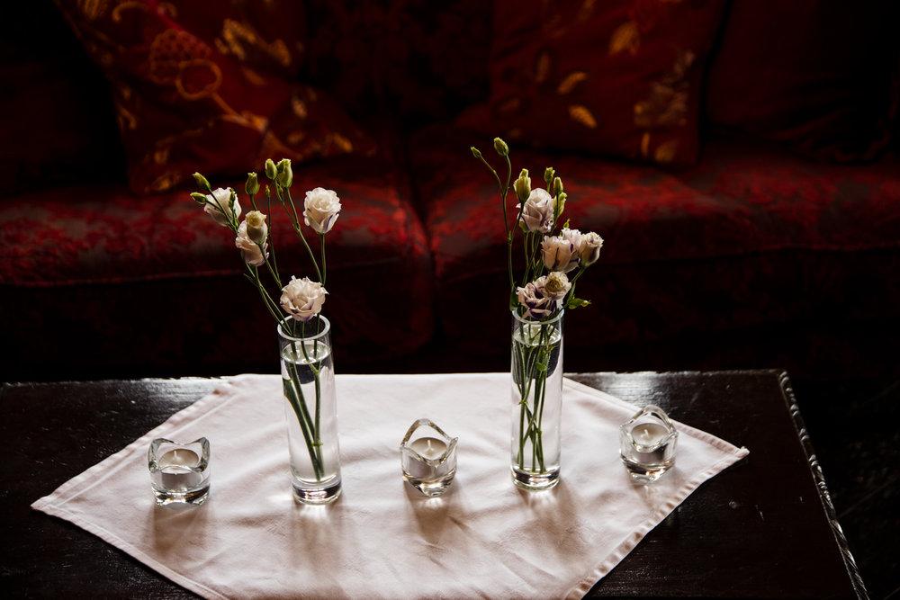 Ballybeg_wedding_photographer_roger_kenny_portrait-room_Ireland_122.jpg
