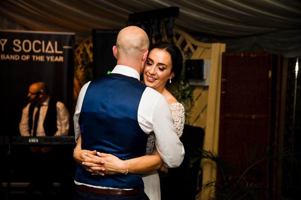 Ballybeg_wedding_photographer_roger_kenny_portrait-room_Ireland_157.jpg