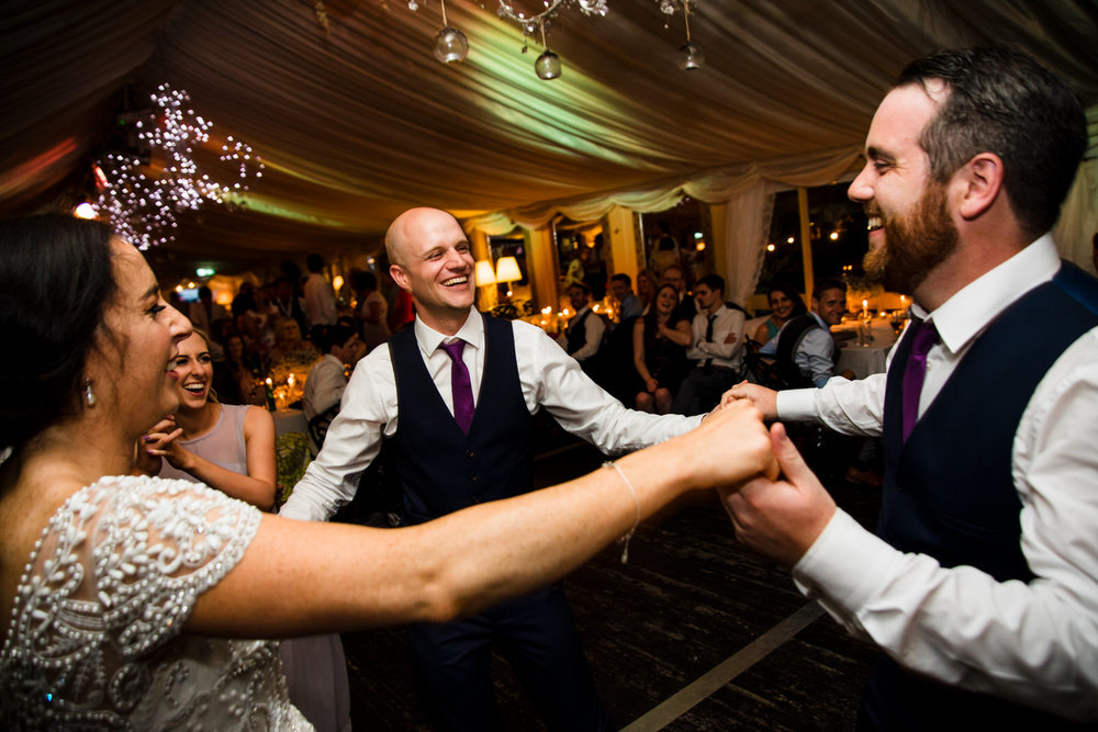 Ballybeg_wedding_photographer_roger_kenny_portrait-room_Ireland_160.jpg