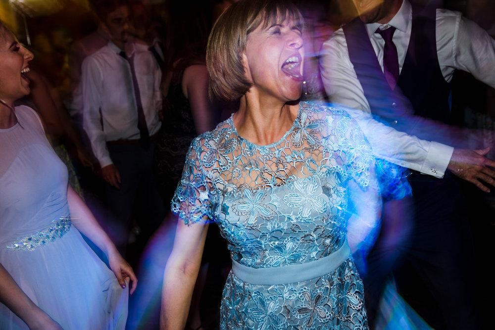 Ballybeg_wedding_photographer_roger_kenny_portrait-room_Ireland_169.jpg