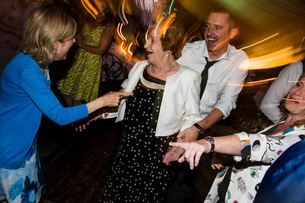 Ballybeg_wedding_photographer_roger_kenny_portrait-room_Ireland_173.jpg