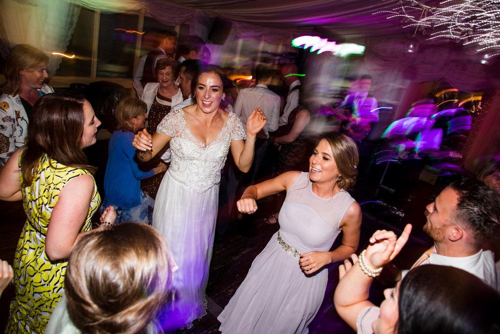 Ballybeg_wedding_photographer_roger_kenny_portrait-room_Ireland_175.jpg