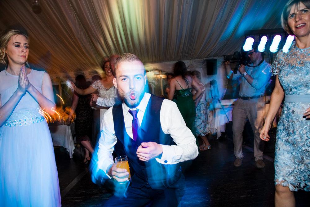 Ballybeg_wedding_photographer_roger_kenny_portrait-room_Ireland_178.jpg