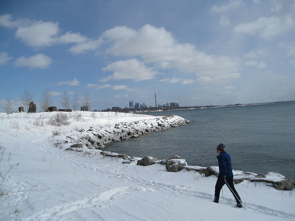 ON - Toronto Waterfront Trail snow skiing