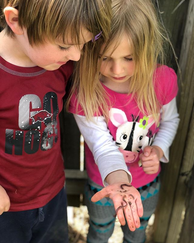 Let them be little...and messy. #montessori #outdoorclassroom #explore #wormdiggin