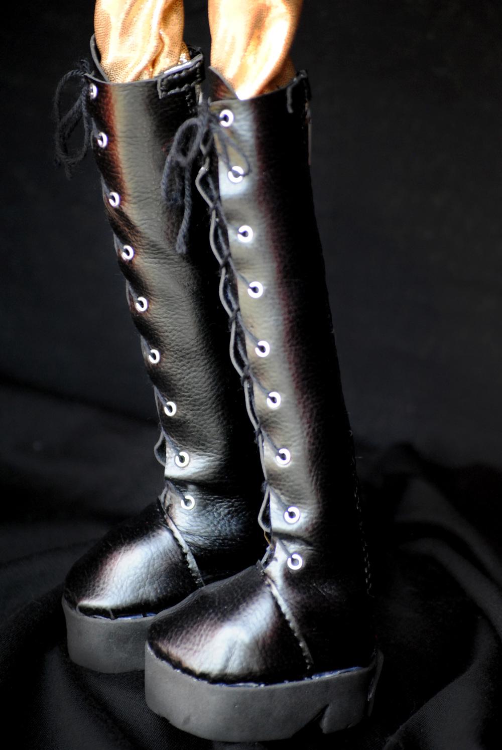 boots side.jpg