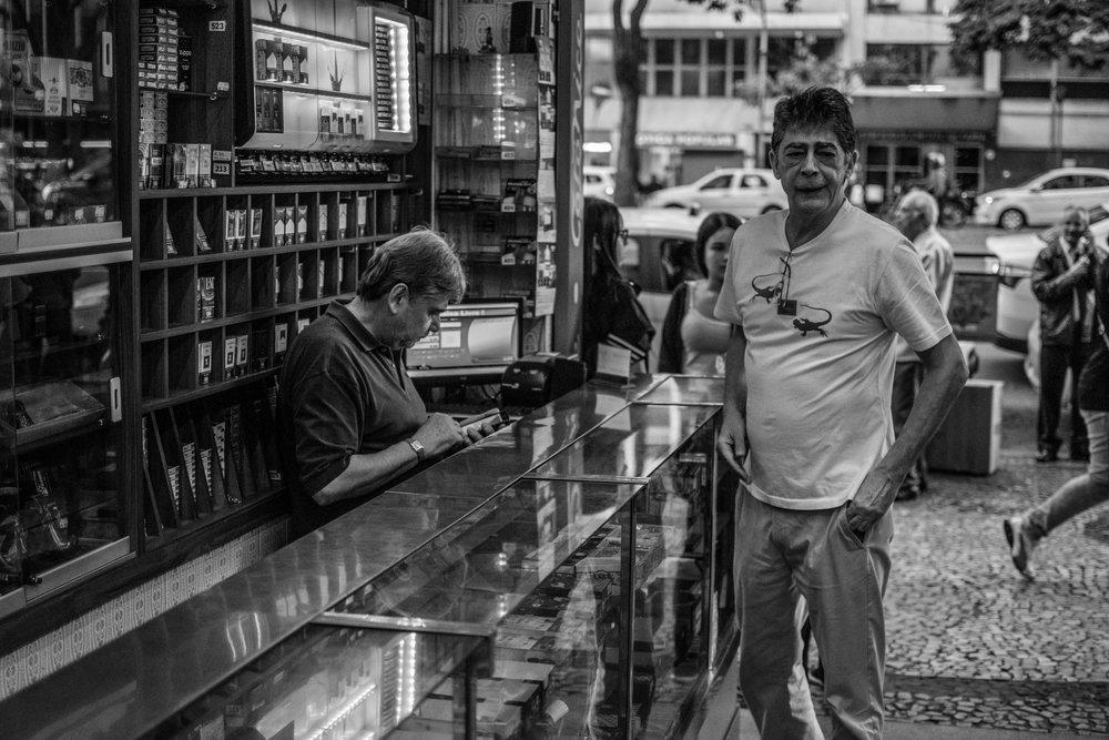 Os irmãos Caldeira, proprietários do Café Nice