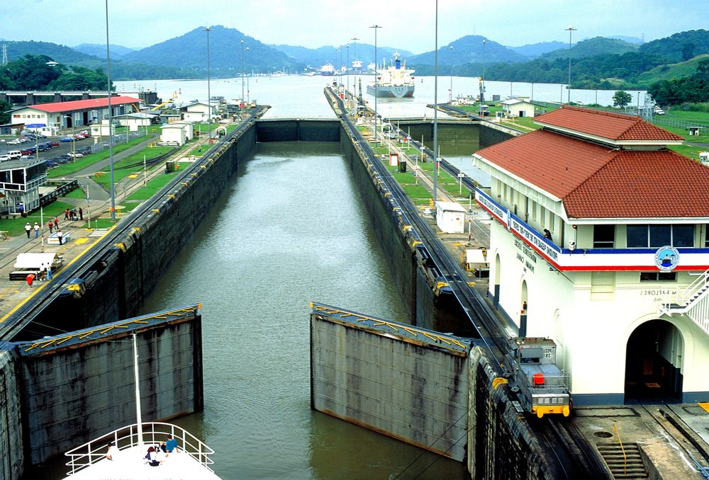 locks-at-the-pacific-ocean-end-of-the-panama-canal.jpg