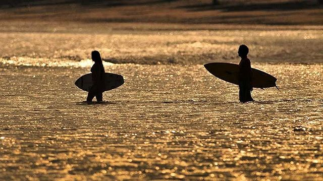 ¡Qué riquísima manera de ver pasar la tarde! Invertir en un segundo hogar en #AndromedaPedasi ES contar con más de 10 playas alrededor de ti 😍 y como ya sabes, en el mar la vida es más sabrosa 👐: info@dekeldevelopment.com #Pedasi #Panama #surf #sunset #GoodLife #QualityOfLife.
