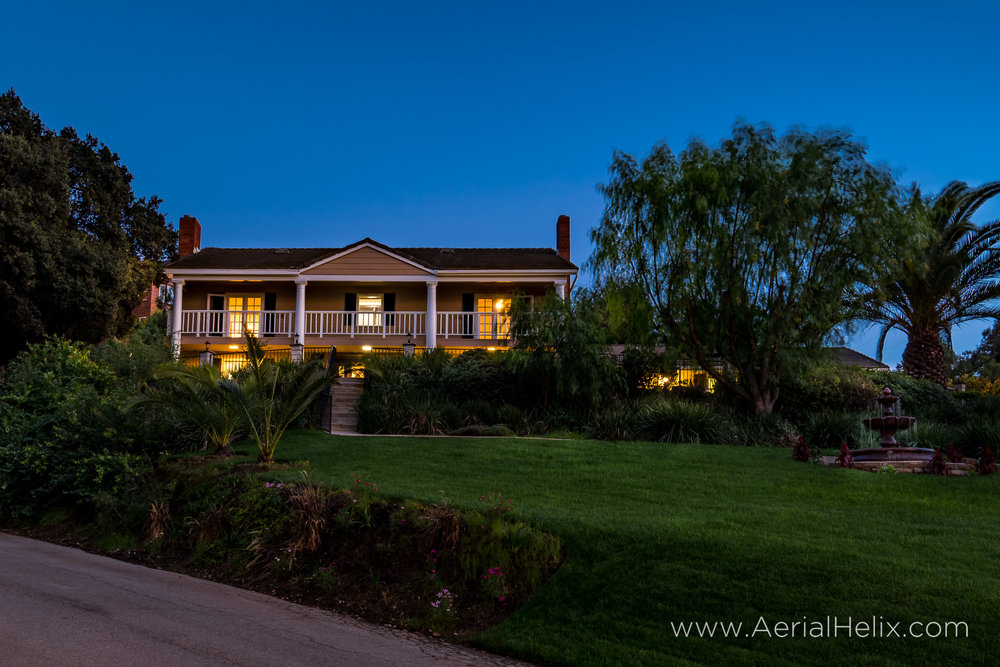 Walnut Ave Twilight - Real estate photographer-8.jpg
