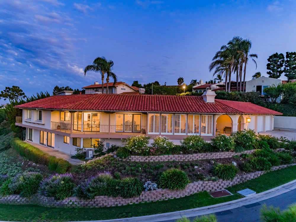 Woodfern Drive - HELIX Real Estate Aerial Photographer-31.jpg