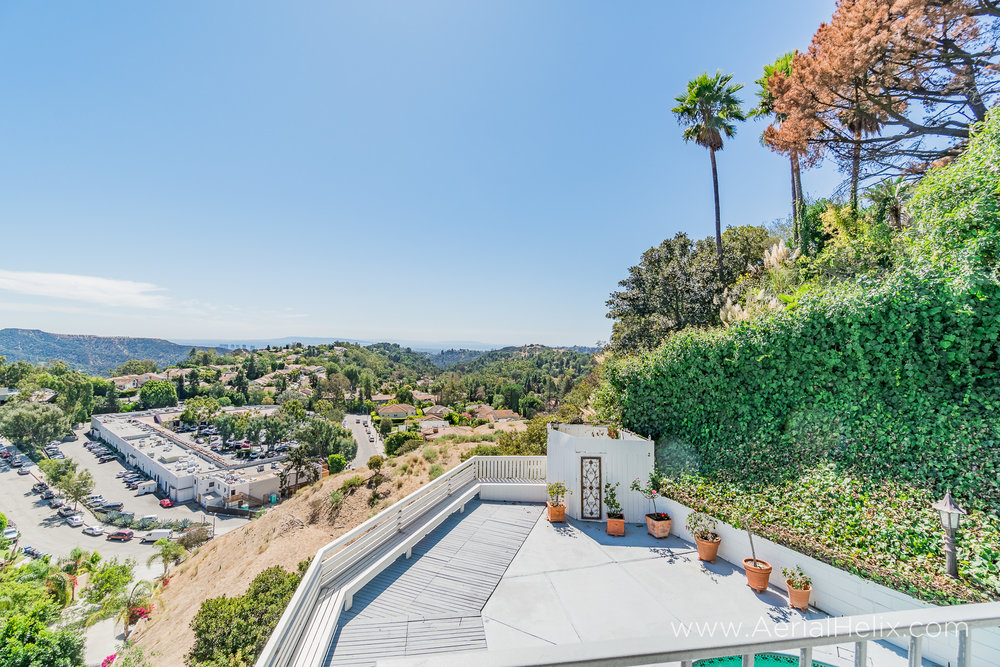 Mullholland Drive - HELIX Real Estate Photographer-34.jpg