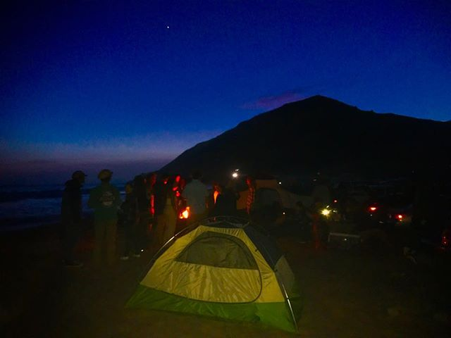 The crew at Point Mugu camp ground doing their best to relocate back to the way Malibu was and always should be.. #roots #malibuwest #campfire #MLO #jupiter  #keepitreal