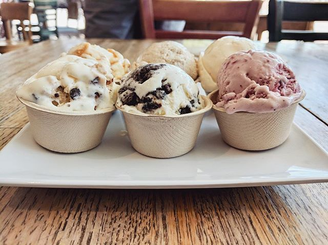 Ice cream flights are the best way to experience the flavors of Spoonthumb! 😍 today's flavors include Oatmeal Cookie Dough, S'mores, Vegan Coconut Horchata, Honey Lavender, Lemon Poppy Almond, Bubblegum and Midnight Snack. We're only open 3 more days this summer, hurry down!